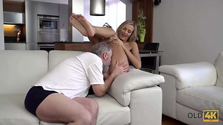 OLD4K. Passionate old and young scene in morning after a cup