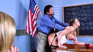 Brazzers - Alexis Brooklyn - Big Tits At School